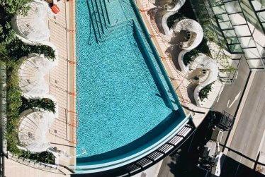 pool-in-apartmen-complex